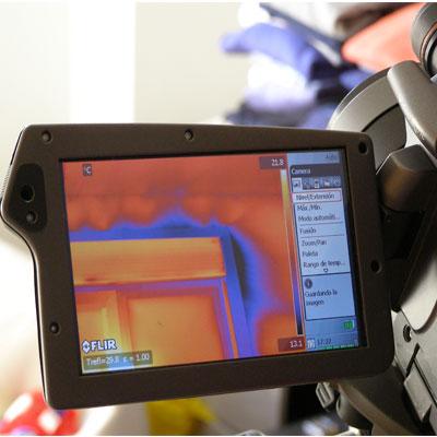 detectar-infilraciones-de-aire-y-puentes-termico-en-la-capa-hermetica